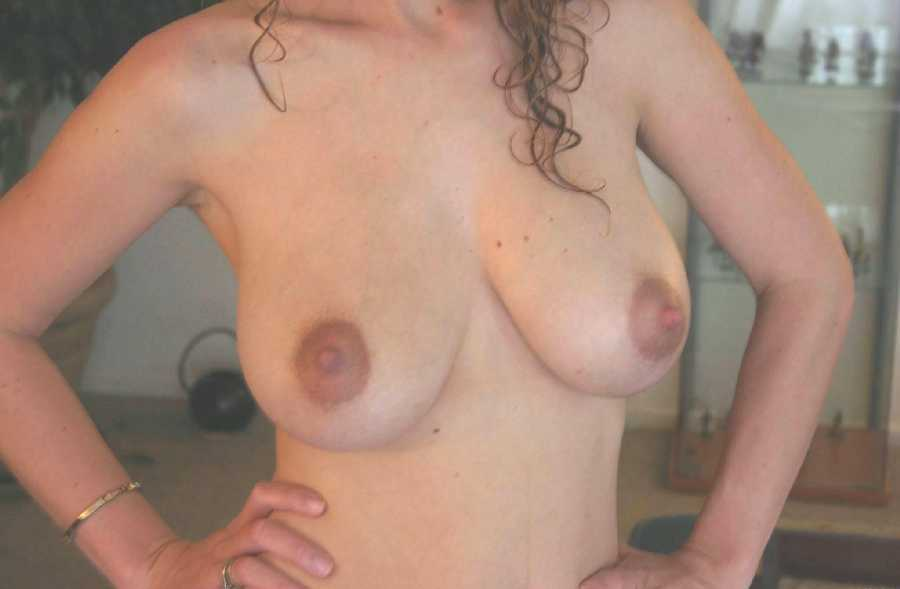 Swingers in morley ia Backhorny house wives. Private wife with stranger.