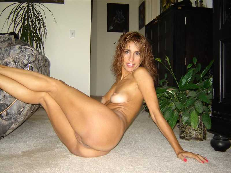 MILFs HOT MOMS, SWINGERS AND CHEATING WIVES ONLINE: www.realhornymilfs.com/centennial