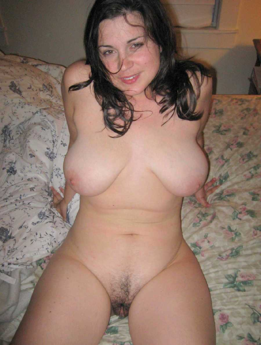 Horny amateur mature moms can not