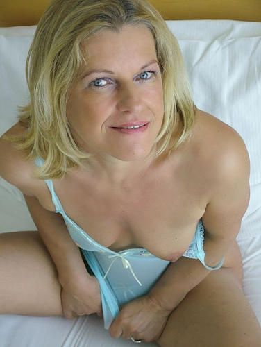 Milfs Hot Moms Swingers And Cheating Wives Online Real
